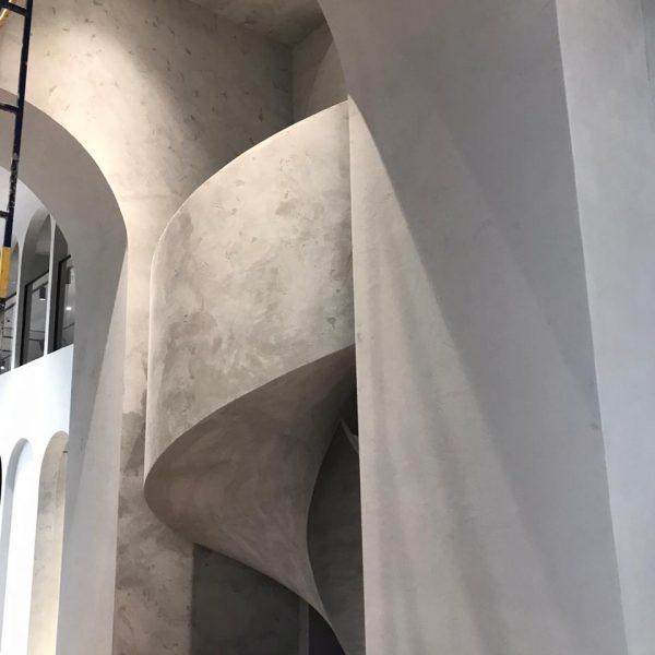 Винтовая бетонная лестница фото 18 МОНОЛИТМАСТЕР