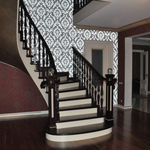П-образная бетонная лестница с забежными ступенями фото 10 МОНОЛИТМАСТЕР