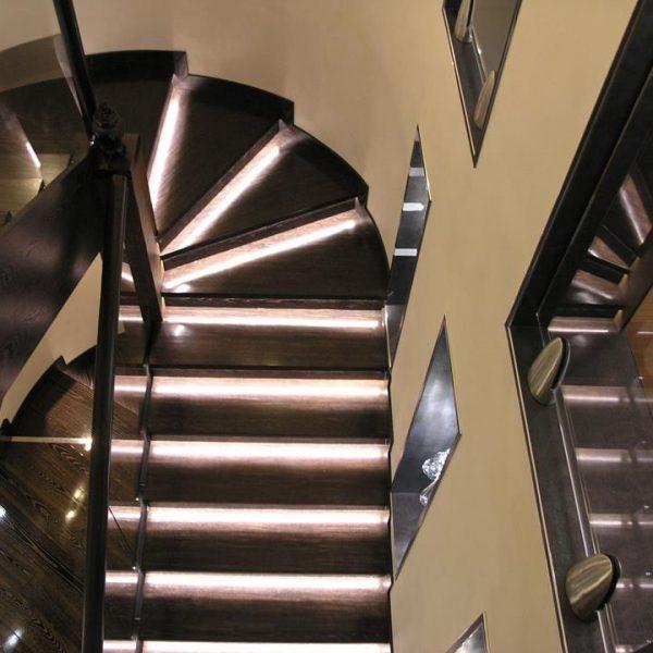 П-образная бетонная лестница с забежными ступенями фото 11 МОНОЛИТМАСТЕР