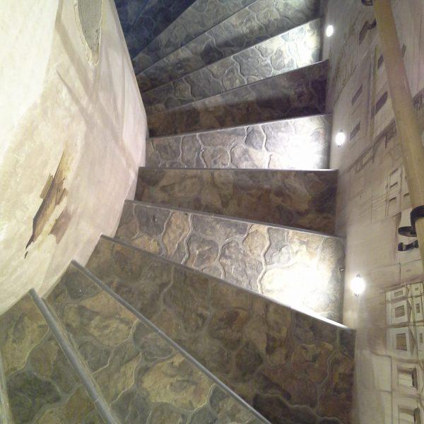 П-образная бетонная лестница с забежными ступенями фото 15 МОНОЛИТМАСТЕР