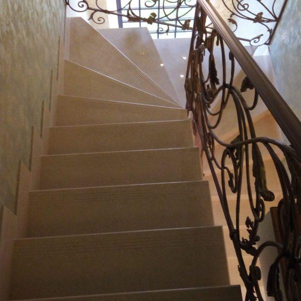 П-образная бетонная лестница с забежными ступенями фото 19 МОНОЛИТМАСТЕР