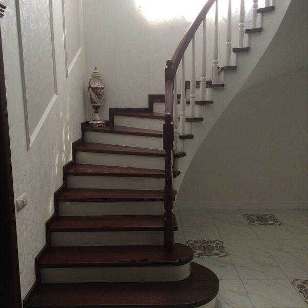 П-образная бетонная лестница с забежными ступенями фото 21 МОНОЛИТМАСТЕР