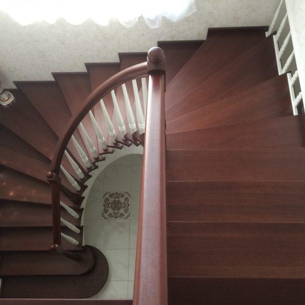 П-образная бетонная лестница с забежными ступенями фото 23 МОНОЛИТМАСТЕР