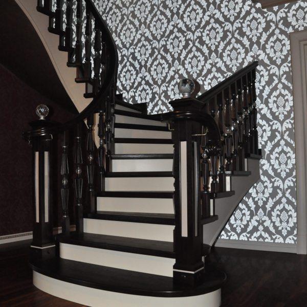 П-образная бетонная лестница с забежными ступенями фото 9 МОНОЛИТМАСТЕР