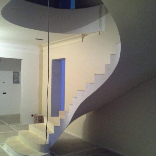 Бетонная лестница (монолитная) без отделки 15 МОНОЛИТМАСТЕР