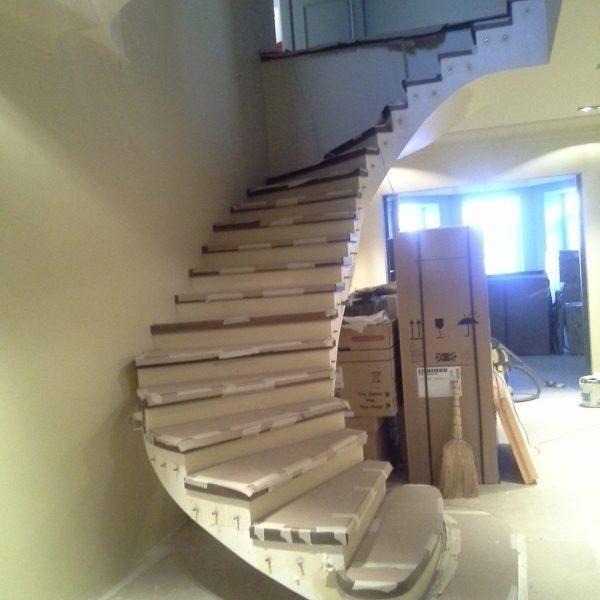 Бетонная лестница (монолитная) с отделкой 16 МОНОЛИТМАСТЕР