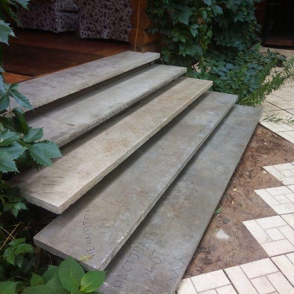 Уличная бетонная лестница (крыльцо) фото 2 МОНОЛИТМАСТЕР