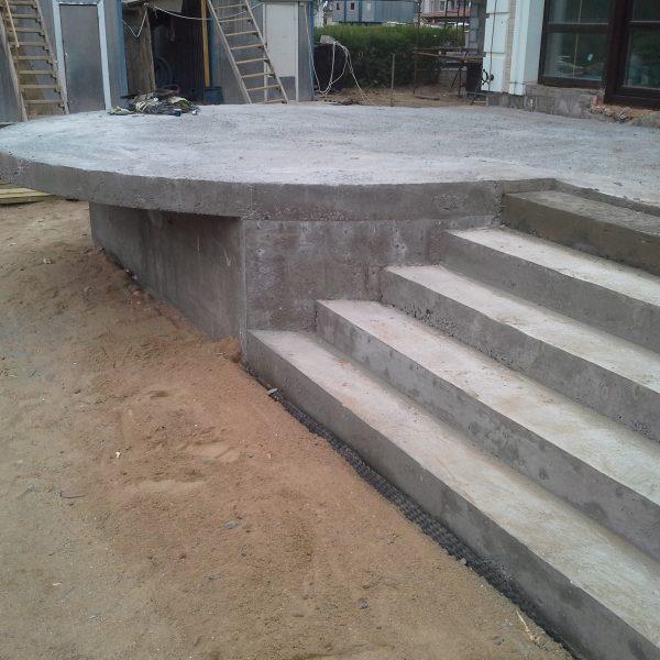 Уличная бетонная лестница (крыльцо) фото 4 МОНОЛИТМАСТЕР